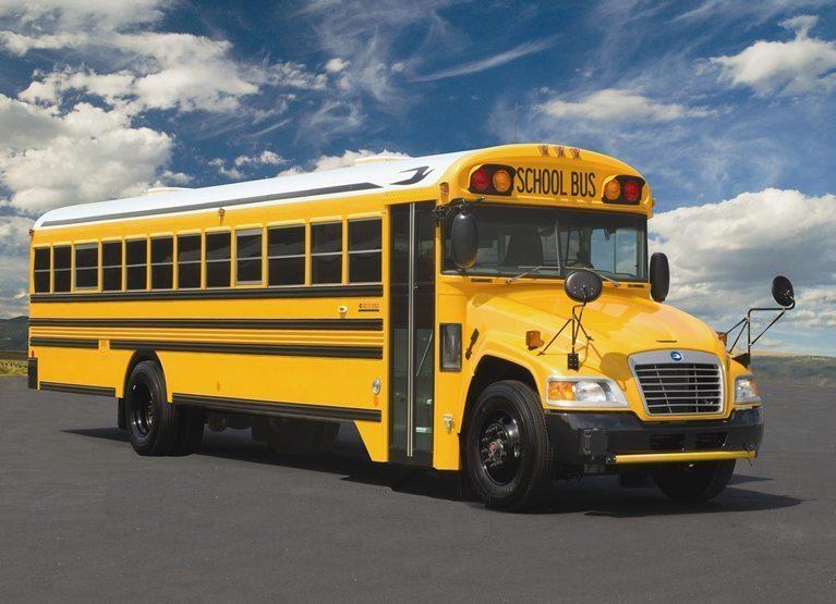 skolas autobuss