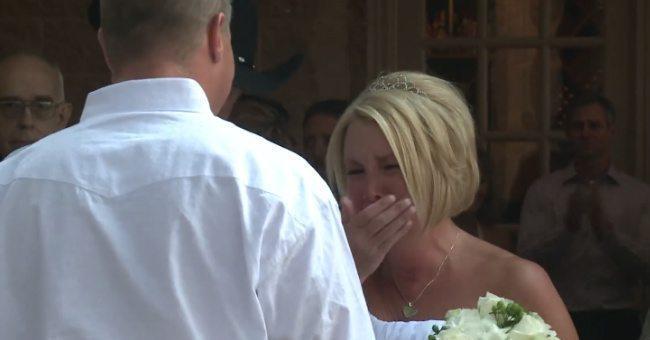 Viņa apprecēja puisi ratiņkrēslā, bet kāzās viņa saņēma necerētu pārsteigumu (video) 3
