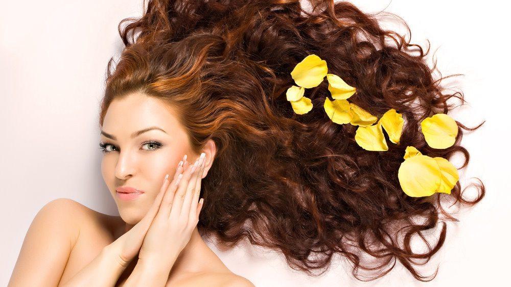 Kā palielināt matu apjomu izmantojot dabiskus līdzekļus