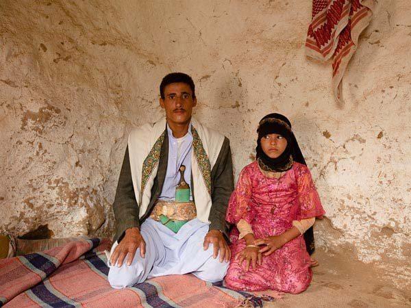 Nežēlīgās tradīcijas dēļ 8 gadus veca meitenīte mirst savā kāzu naktī 1