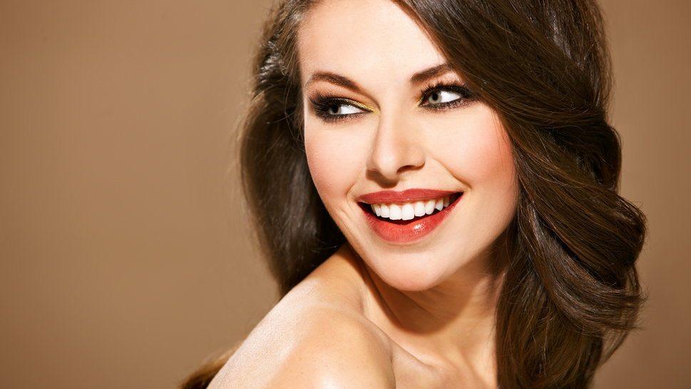 30 padomi, kā panākt, lai sieviete smaida