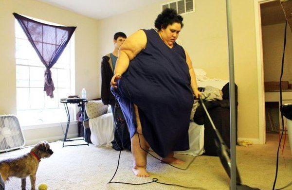 Absurds: Savos 24 viņa sver 300 kg, bet vīrs nevēlas, lai viņa notievē 1