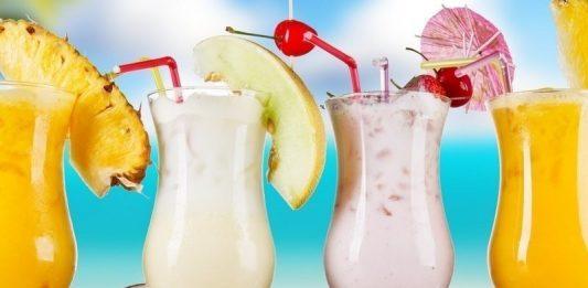 Izbaudi vasaras garšu! 10 veselīgu kokteiļu receptes