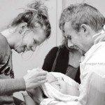 Aizkustinošie mirkļi: Tēti pirmo reizi ierauga savus jaundzimušos 19