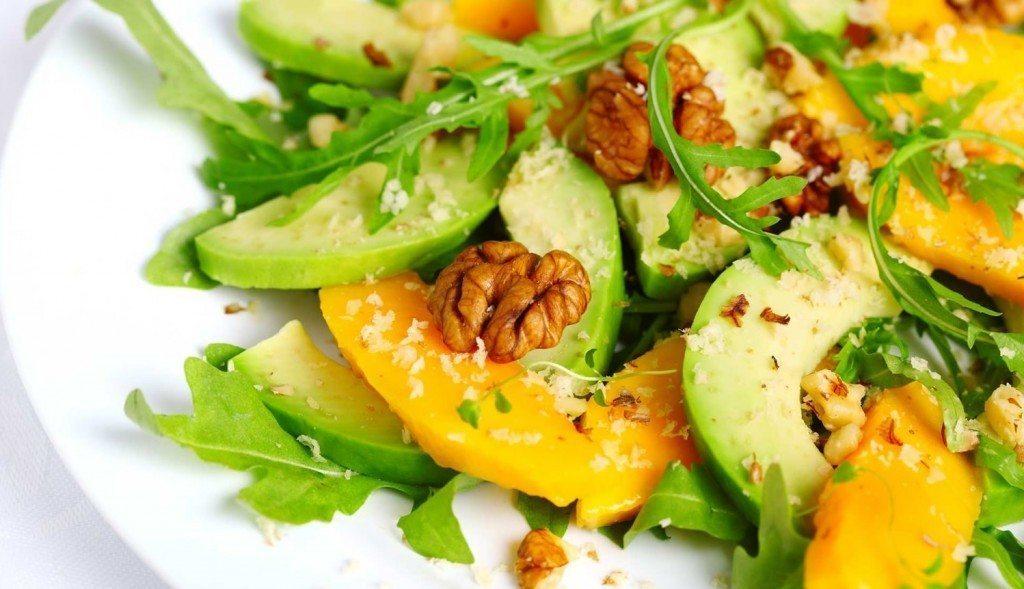 Lieliskas 5 salātu receptes vakariņām