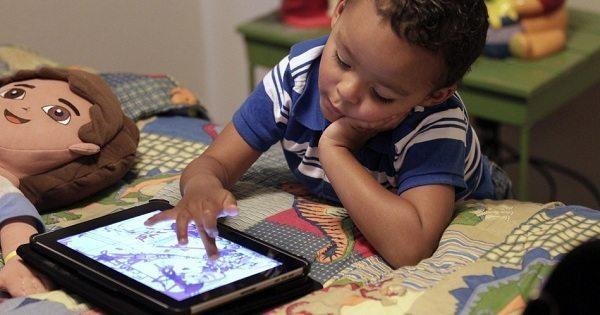Vecāki, ņemiet vērā! Mūsdienu tehnoloģiju lietošana var radīt neparedzamas sekas mūsu bērniem 2