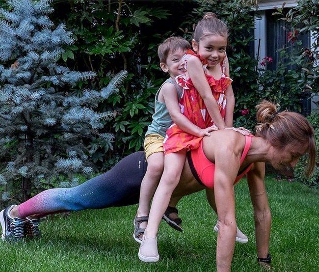 14 māmiņas, kuras pierāda, ka mazs bērns nav šķērslis, labi izskatīties 1