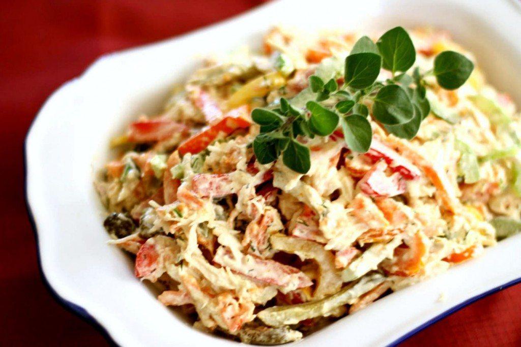 Gardi salāti ar vistu un šampinjoniem
