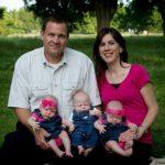 Sirdsstāsts: Šis pāris adoptēja trīnīšus. Bet drīz pēc tam viņi saņēma šokējošu ziņu 6