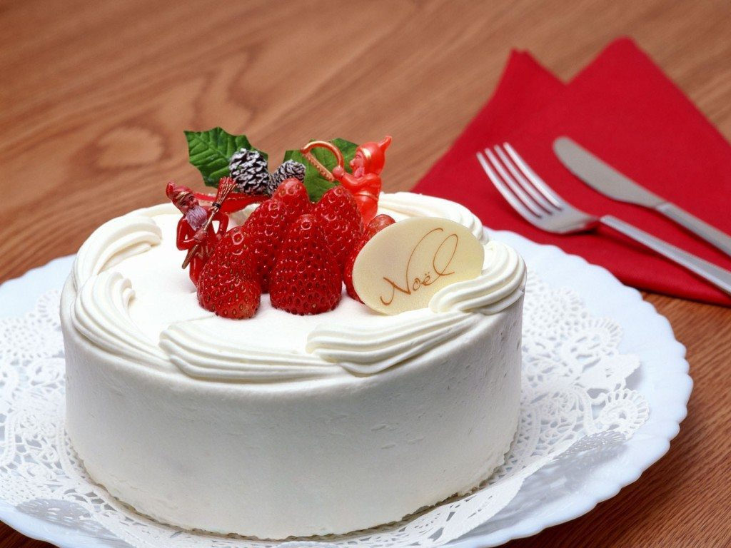 Cream_Cake_with_Strawberries
