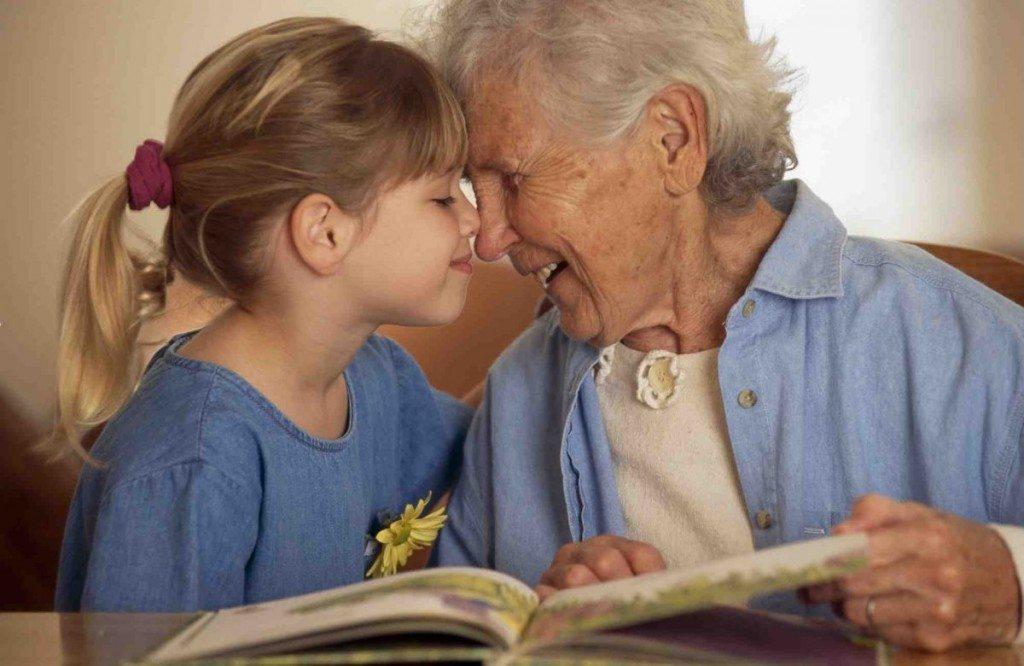 12 lietas, kuras man izstāstīja vecmāmiņa pirms nāves