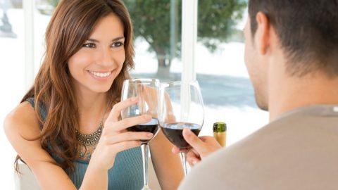 Sievietes atklāti par to, kas ir jāizdara vīrietim, lai ar viņu pārgulētu jau pirmajā randiņā