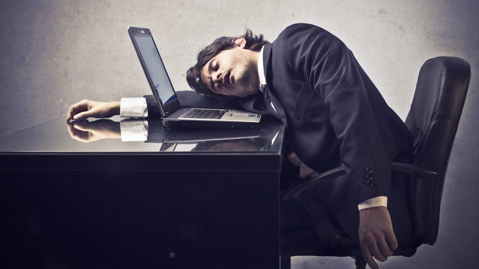 Kā izvairīties no miegainības pēc pusdienu ieturēšanas?