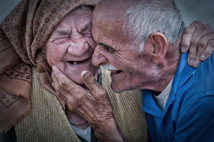 Piecpadsmit lieliski padomi no tiem, kuri dzīvo ilgi un laimīgi
