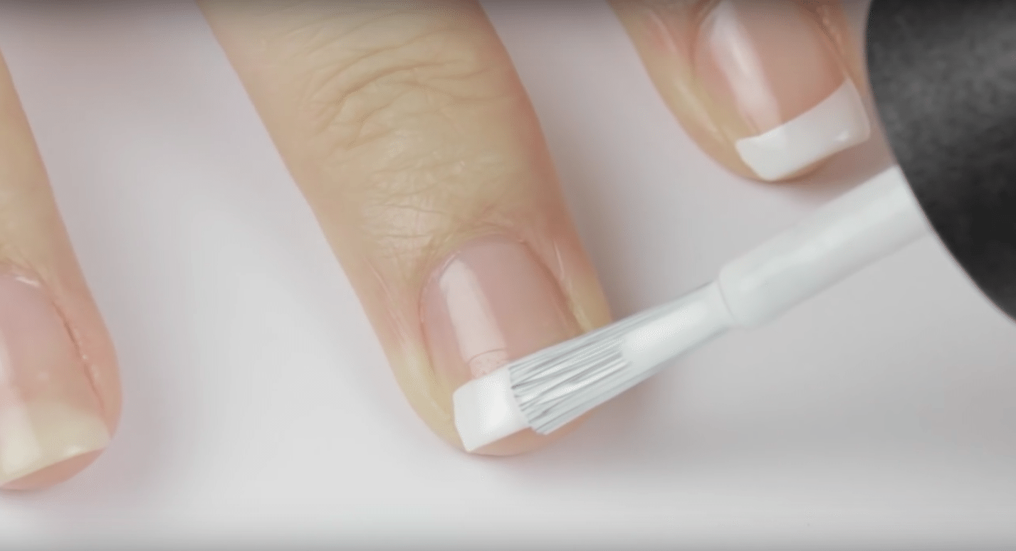 Kā rīkoties ja ir atlūzis nags