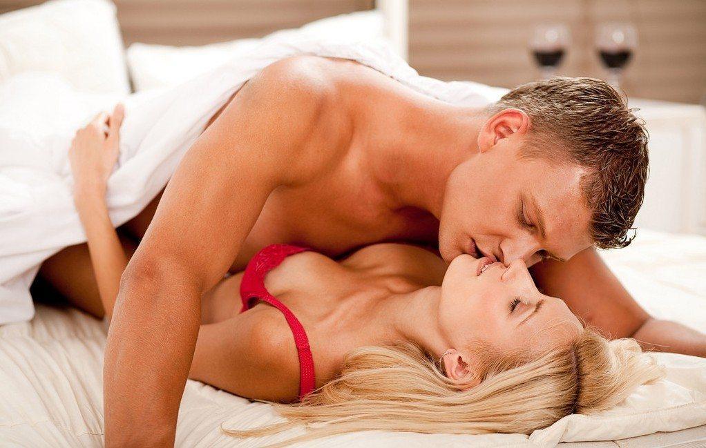 Zinātnieki noskaidrojuši, kā seksa biežums ietekmē cilvēka organismu