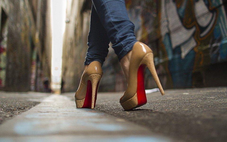 Nosaki sievietes raksturu pēc viņas kurpju papēžiem!