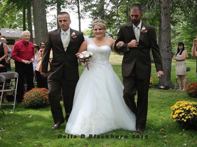 Tas, ko izdarīja tēvs meitas kāzās, saraudināja ikvienu 2