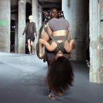 Modes dizaineri nebeidz vien pārsteigt. Bet šis jau nu gan bija nedaudz par traku 2