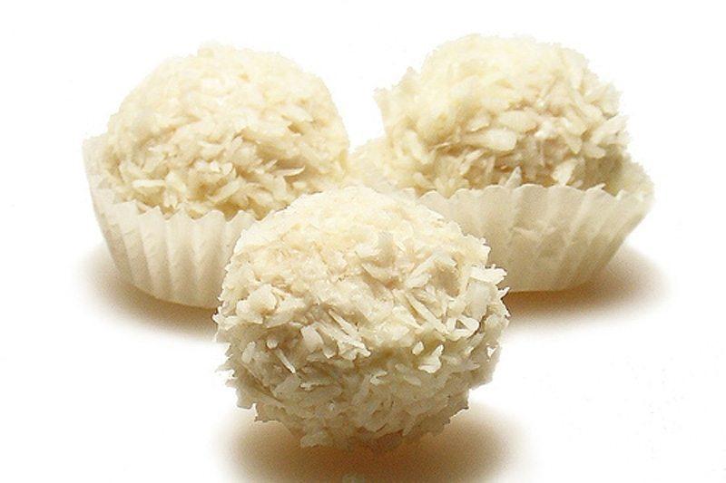 Gardas kokosriekstu konfektes ar mandelēm 1