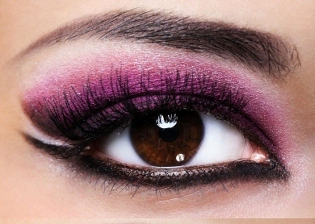 Smokey-Eye-Makeup-with-Purple-and-Black-Color