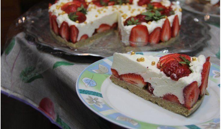 Suflē torte ''Zemenes un halva''
