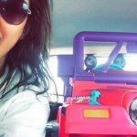 Kad viņai atņēma tiesības, viņa sāka pārvietoties ar rotaļu džipu 2