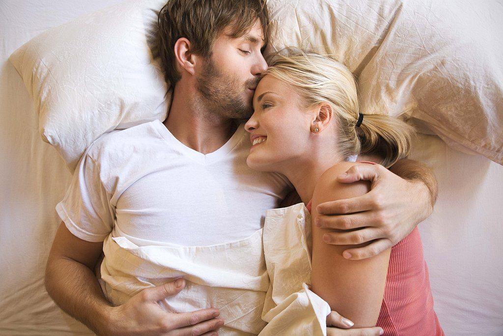 Kā paslavēt vīrieti par labu seksu? Noteikti izlasi!