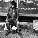 Pēc 10 gadu ilgas bezpajumtnieku fotogrāfēšanas,meitene viņu vidū atrada savu tēvu 1