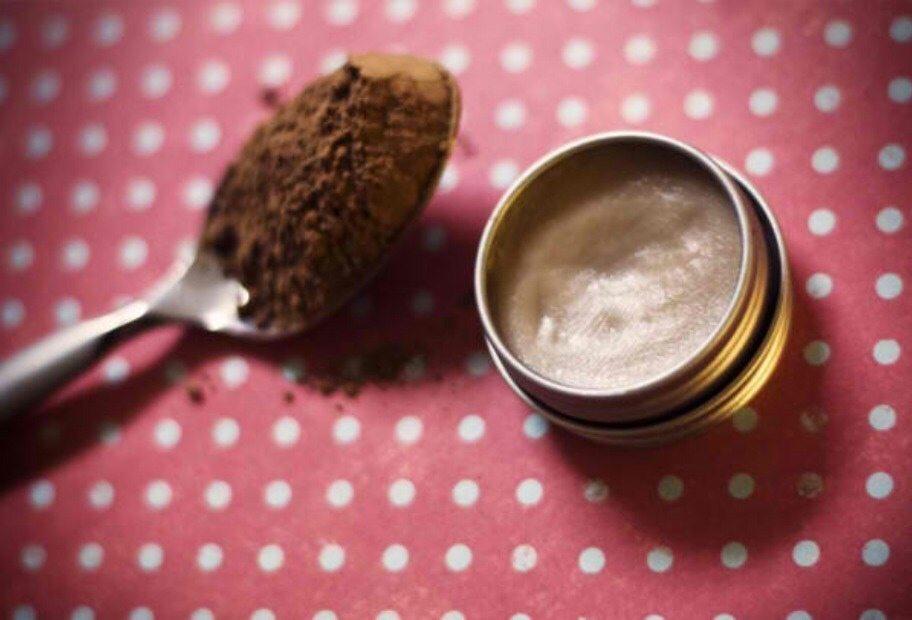 Pagatavo sev šokolādes lūpu spīdumu 20 minūtēs 2