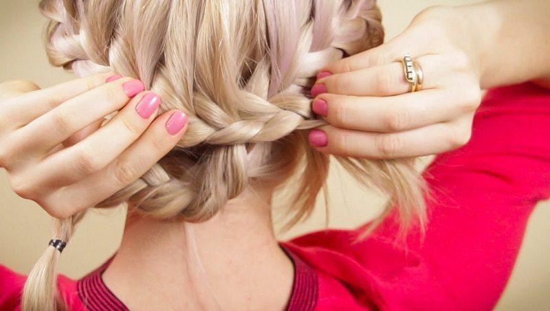 Ja nav laika mazgāt: 7 frizūru idejas, kā paslēpt taukainus matus 9