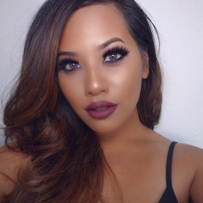 Šī rudens trends: 15+ paši stilīgākie tumšo toņu make-up piemēri 13