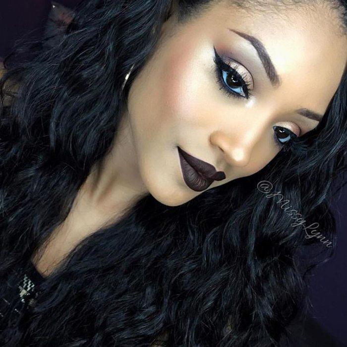 Šī rudens trends: 15+ paši stilīgākie tumšo toņu make-up piemēri 15