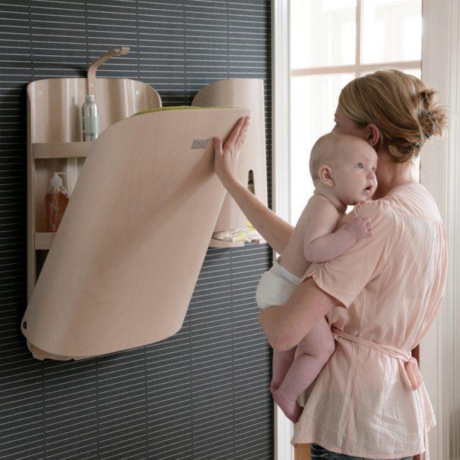 складывающийся столик для ухода за ребенком