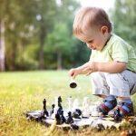 10 vienkāršas lietas ar kurām jūsu bērns spēlēsies ilgāku laiku 8