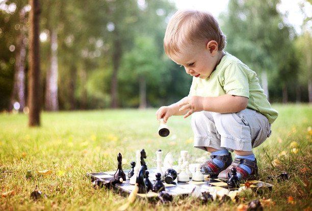 10 vienkāršas lietas ar kurām jūsu bērns spēlēsies ilgāku laiku 2