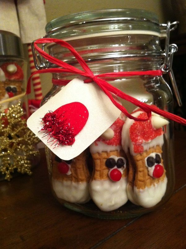 Nutter-Butter-Santas-in-a-Jar