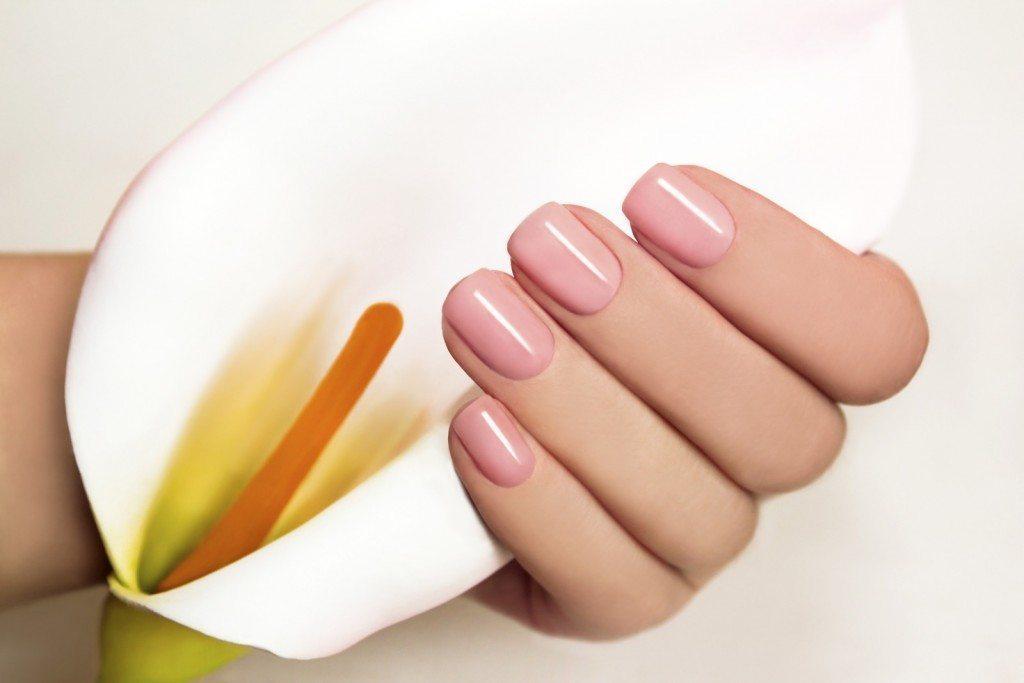 essie-manicure
