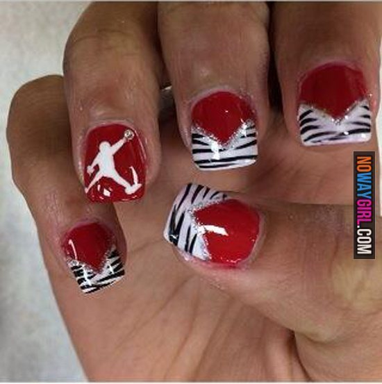 horrible-fan-nails-04