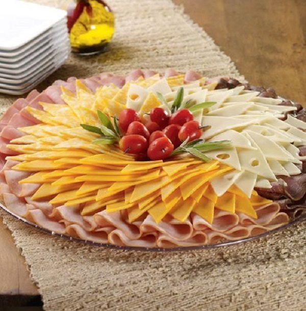 Idejas kā noformēt uzkodu plates jūsu svētku galdam 11