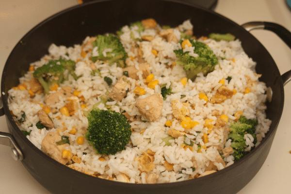 Slinkie rīsi ar vistu un pārsteigumu