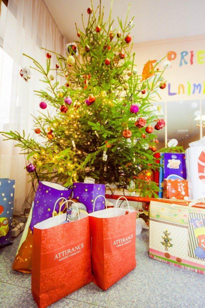 """Kā Ziemassvētki iesoļoja bērnu namā """"Vita"""" 1"""