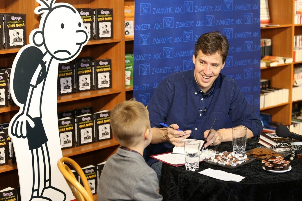 """Latviešu zēns Klāvs intervē slaveno """"Grega dienasgrāmatu"""" autoru Džefu Kinniju 2"""