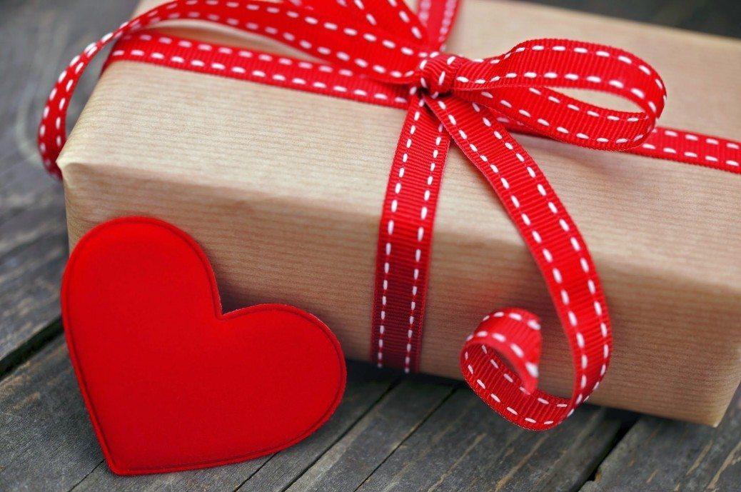 Kā izvēlēties Valentīna dienas dāvanu mīļotajam, ņemot vērā viņa zodiaka zīmi 2