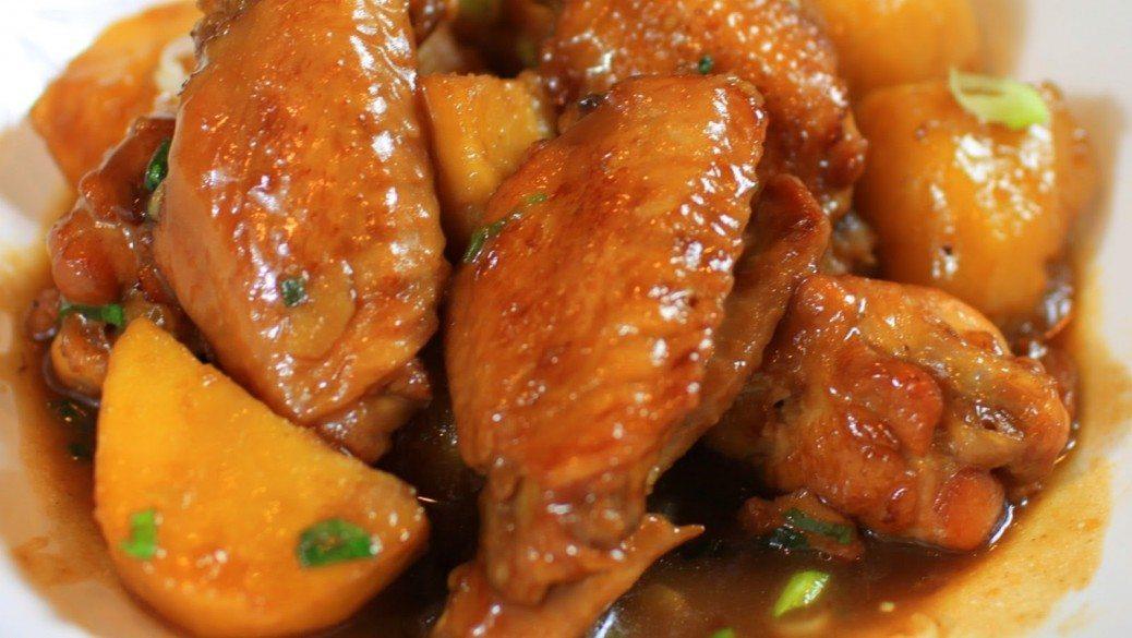 Gardas un ātras pusdienas - vistu spārniņi ar kartupeļiem