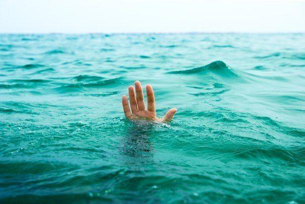 Vīrs atgrūda sievu, lai izglābtos no slīkstoša kuģa. Kad es uzzināju iemeslu, acīs sariesās asaras...