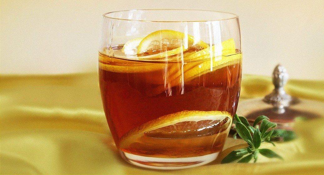 Bieži apspriestais brīnumlīdzeklis - ūdens ar medu un citronu. Noteikti izlasi!