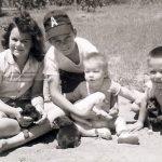 Viņš atstāja viņu ar 6 bērniem un 75 centiem kabatā. Tas, ko viņa atrada mašīnā, aizkustināja līdz asarām 20