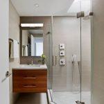 Pārkāpjot ierastā robežas: modernas tendences vannasistabas dizainā 60