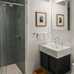Pārkāpjot ierastā robežas: modernas tendences vannasistabas dizainā 69